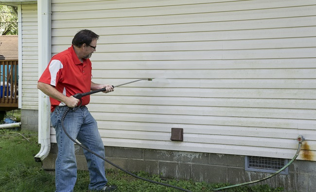 3 Reasons to Hire a Power Washing Company